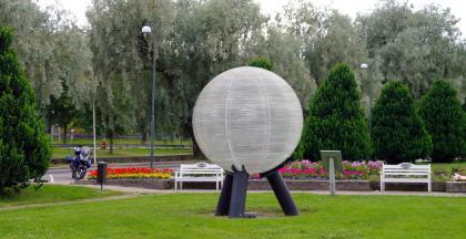 Neptune_model_of_Sweden_solar_system.jpg