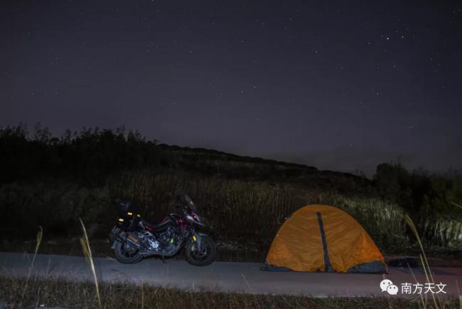 一车一帐篷