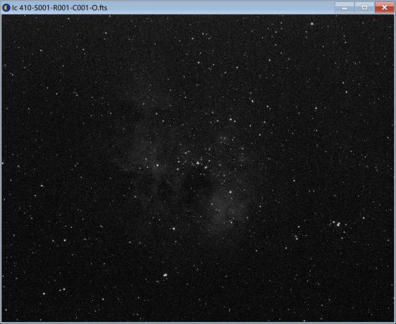 O通道单张600s的图像,除了星点外,中心部分明显出现了淡淡的星云。