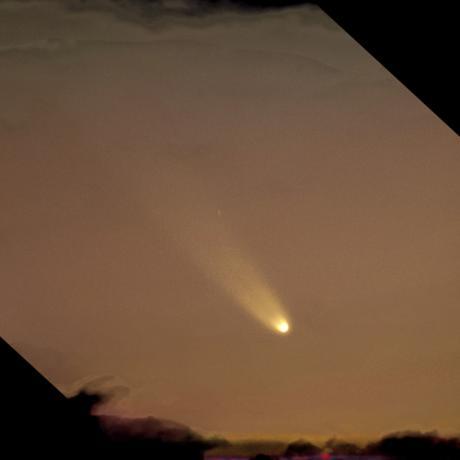 1月5日,著名的彗星摄影大师Michael Jäger使用0.2m的望远镜和CCD拍摄到的彗星。