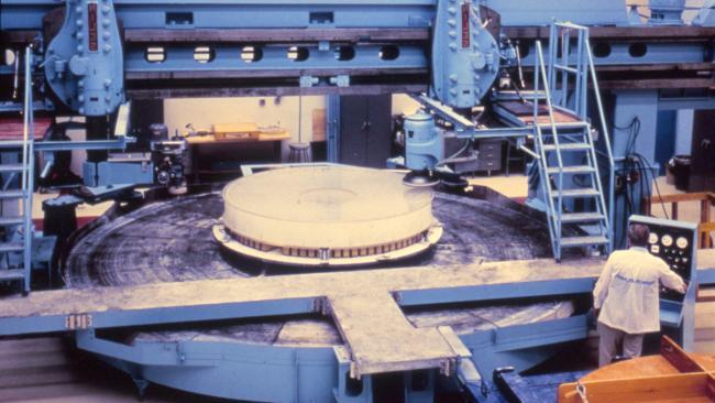 光学公司PerkinElmer被委托制造光学望远镜组件(OTA)和精密导航芯片(FGS)
