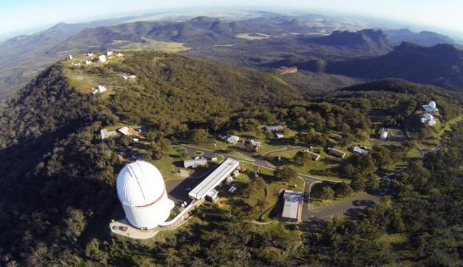 位于澳大利亚新南威尔士的赛丁泉天文台,海拔1165米。