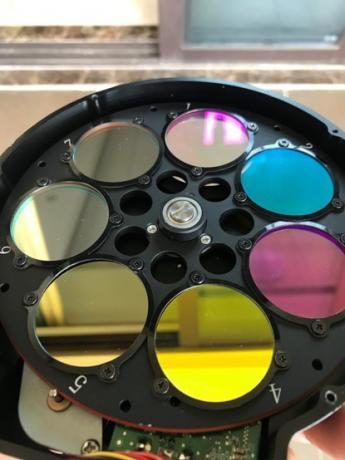 一套常用的36mm规格LRGBHSO滤镜和滤镜轮