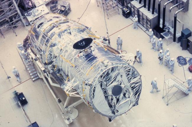 哈勃空间望远镜最终在洛克希德公司完成组装,等待发射