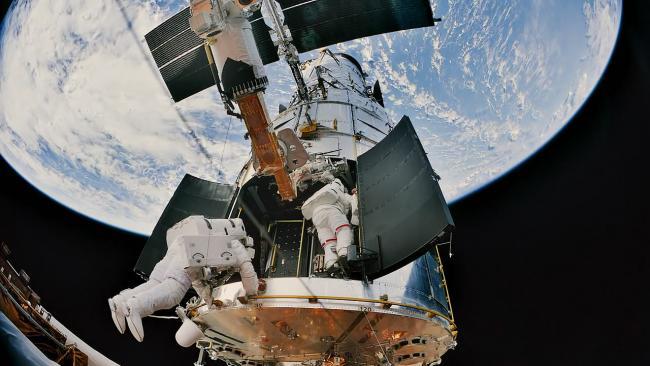 2009年,亚特兰蒂斯号航天飞机执行最后一次HST的维护任务。