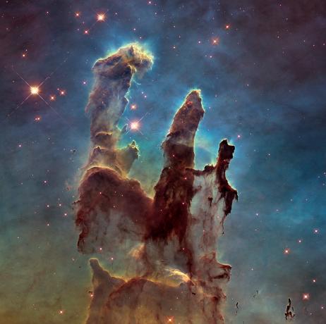 """2015年1月5日,HST再次拍摄鹰状星云中的""""创世之柱"""""""
