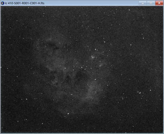 "H通道单张600s的图像,星云已经比较明显了,右上角的小蝌蚪""""清晰可见。"