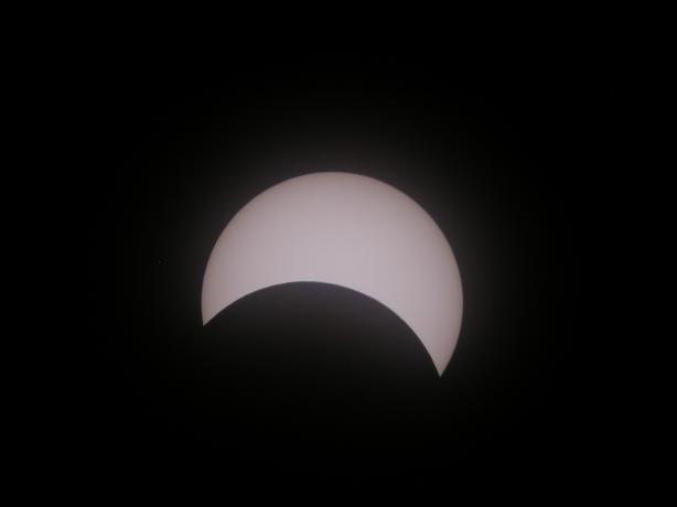 太阳逐渐复圆太阳逐渐复圆