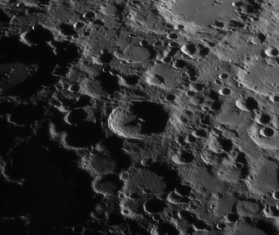 月面局部第谷环形山,星空狩猎拍摄月面局部第谷环形山,星空狩猎拍摄
