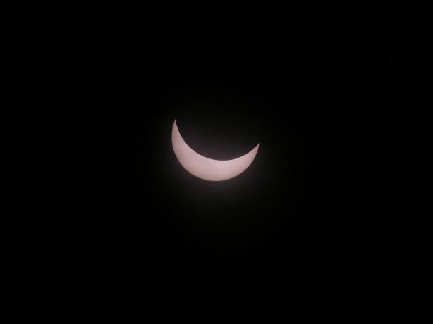 9:12,太阳已经遮去了一大半了9:12,太阳已经遮去了一大半了