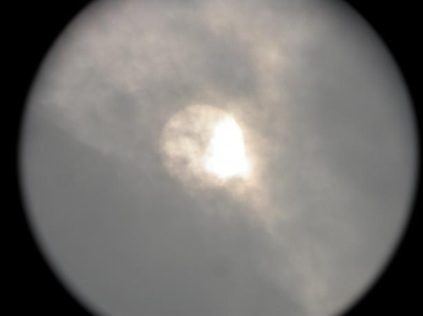 8:14在云中穿梭的太阳8:14在云中穿梭的太阳